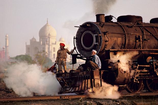 india-men-train