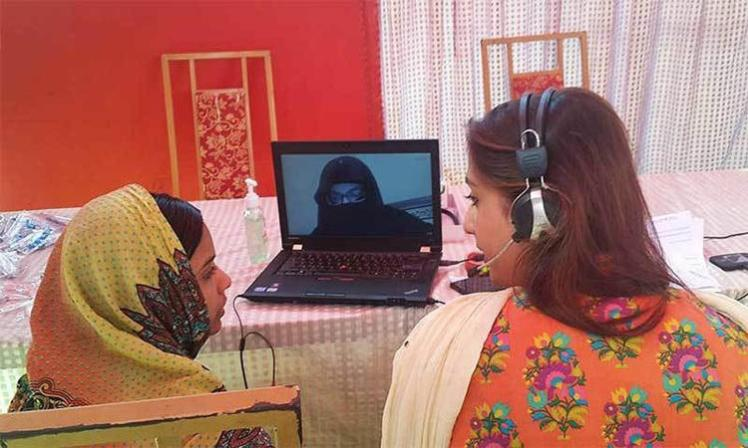 3061258-slide-6-in-pakistan-telemedicine-is-allowing-female-doctors-to-retur
